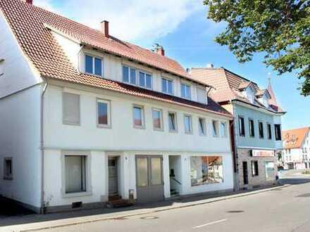 Wohn- und Geschäftshaus in der Stadtmitte von Rosenfeld