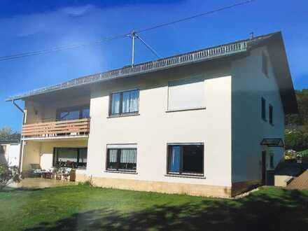 Gepflegte 2-Zimmer-Terrassenwohnung mit Balkon in Nomborn