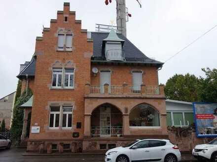 Repräsentatives, denkmalgeschütztes Wohn- und Geschäftshaus