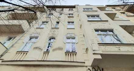 +++Bezugsfreie Altbauwohnung mit Balkon+++