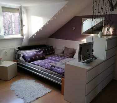 Stilvolle vollausgestattete 2-Zimmer-Dachgeschosswohnung in der Karlsruher Oststadt