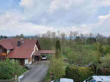 Neuwertige 3-Raum-Wohnung mit Balkon und Einbauküche in Sersheim