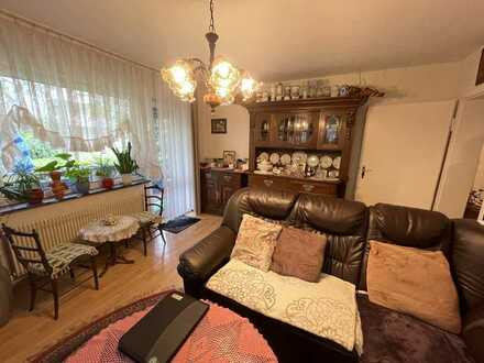 * 3 Zimmer Erdgeschoswohnung in gefragter Wohnlage, zwei Balkone mit Blick ins Grüne und Potenzial*