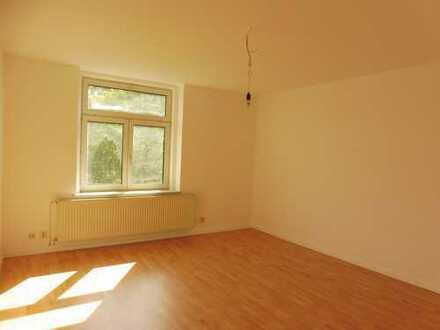 Modernisierte 4-Zimmer-Wohnung mit Balkon in Chemnitz