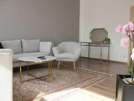 Sehr schöne, geräumige & möblierte Maisonette-Wohnung mit 5 Zimmern