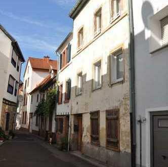 Im Herzen von Neustadt - Sanierungsbedürftiges Haus in kleiner Einliegerstraße