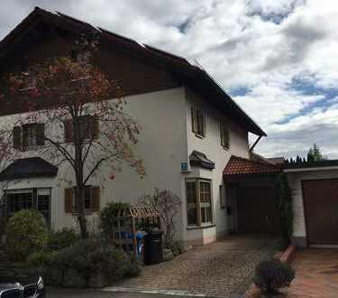 Schönes Haus mit acht Zimmern in München, Freimann