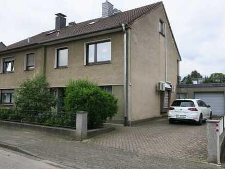 Wohnen in der Blumensiedlung! gepflegte DHH mit 6 Zimmern in Langenfeld