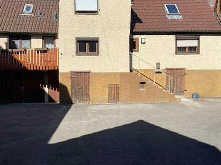 ruhiges Einfamilienhaus im Ortskern von Eltingen