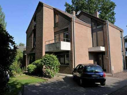 Renovierte Oberg.-Whg. mit Dachterrasse in zentraler Lage von Papenburg-Untenende