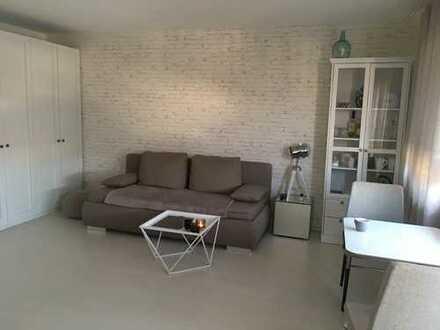 Stilvolles, geräumiges, möbliertes 1-Zimmer-Appartement mit Balkon in Karlsruhe Grünwinkel