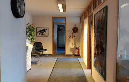 Modernes, helles 4 Raum Büro/Praxis in Citylage