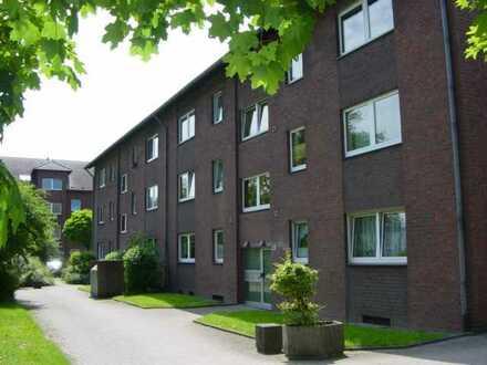 Große 3-Zimmerwohnung mit Balkon am Rheindamm
