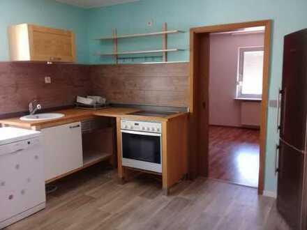 Gepflegtes Haus mit fünf Zimmern und Einbauküche in Hohenecken, Kaiserslautern