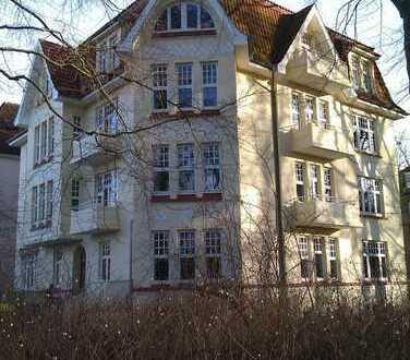 Jugendstilhaus am Schlosspark - Wunderschöne & 97 m² Wohnung (1. Etage, 4 Zimmer)