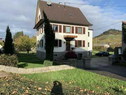Dreifamilienhaus in Kappelrodeck mit großem Grundstück