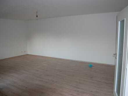 Vollständig sanierte, großzügige 3-Zimmer-Wohnung in Ladenburg in Feldrandlage