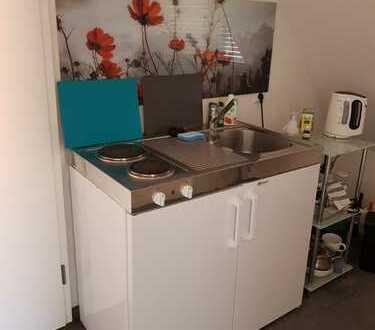 NUR PENDLER / schönes unmöbliertes Appartement in Leonberg/Warmbronn