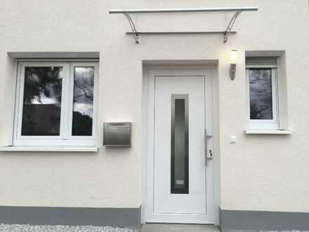 Modernes Reihenhaus, EBK + Niedrigenergie, Taunusstein