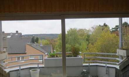 3-Zimmer-Wohnung lichtdurchflutet mit Terrasse, Balkon, neue EBK in begehrter Aachener Wohnlage