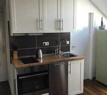 Attraktives, modernisiertes und möbliertes 1,5-Zimmer-Loft mit EBK und Sauna