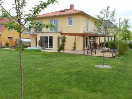 Ihr Wohn(t)raum!? Hochwertiges traumhaftes Einfamilienhaus mit großem Garten. Provisionsfrei