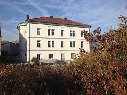 Modernisierte 2-Zimmer-DG-Wohnung mit Einbauküche in Aschaffenburg Stadtmitte