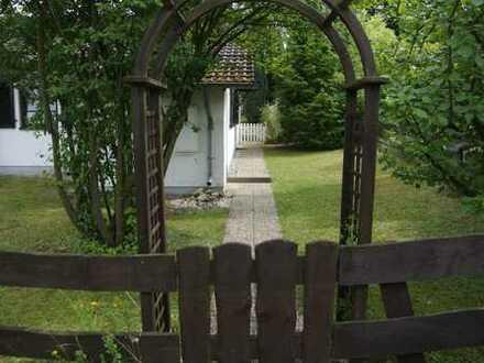 Gepflegte, renovierte Doppelhaushälfte mit Garten