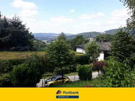 Wohnbaugrundstück mit Fernblick! Sie können schon jetzt das Ferienhaus auf dem Grundstück genießen.