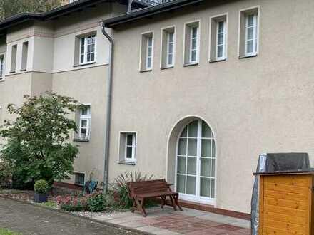 www.schnorr-immobilien.de:HAUS im HAUS*gr. Süd-Terrasse*EINMALIG *6 Zimmer 2 Bäder
