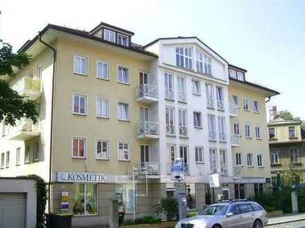 Im Regierungsviertel von Dresden 1 RW m. EBK