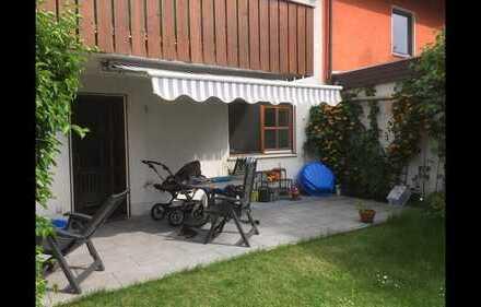 Charmante 2-Zimmer-Erdgeschosswohnung mit großzügiger Terrasse und Hobbyraum in München-Freimann