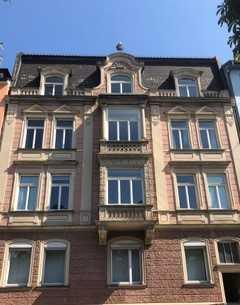Exklusive 5-Zimmer Wohnung mit Balkon, Terrasse und EBK