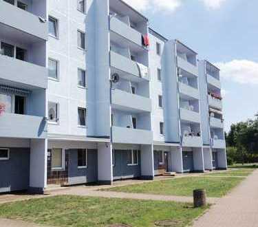 Schöne-Renovierte 3-Zimmer-Wohnung mit Balkon.Besichtigung am 20.3. um 15.00 Uhr