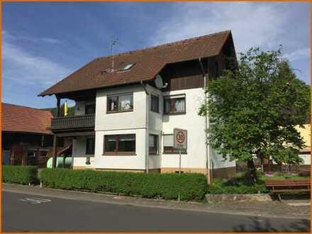 Mehrgenerationenhaus mit Scheune und Nebengebäuden in zentraler Ortslage von Hellstein