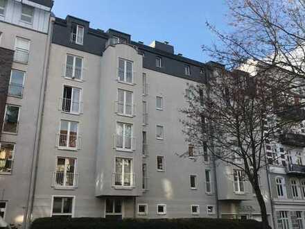 Nie mehr Parkplatzsuche!!! Wohnung mit Stellplatz. Dazu Balkon, Fussbodenheizung, Gäste-WC, EBK,....