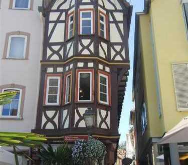 Am Marktplatz! Ihre Chance: Einzelhandelsfläche im schönsten Gebäude Wertheims