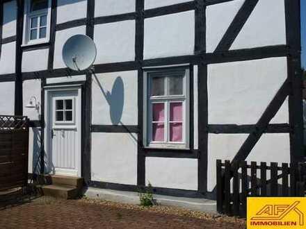 Liebhaberstück: Doppelhaushälfte mit Terrasse und Garten
