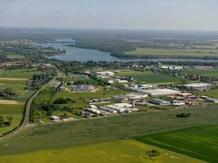 Industriefläche in Autobahnnähe (BAB 24)