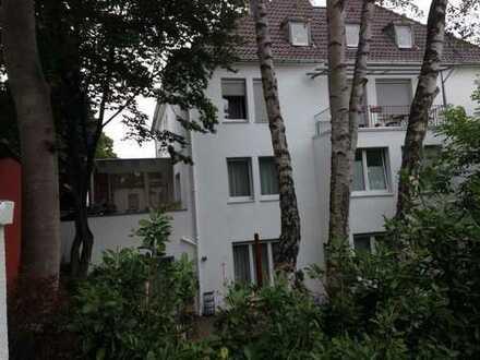 Chic möblierte 2 Zi-Wohnung am Spatzenberg mit Balkon und Blick ins Grüne