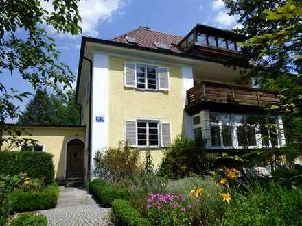 Traumhafte Villa (Bj. 1934) mit viel Platz und großem Garten im schönen Waldfriedhofviertel!
