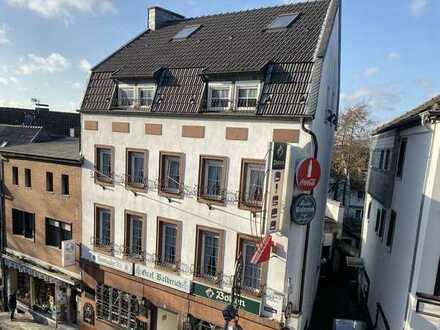 Historisches Wohn- und Geschäftshaus im Zentrum der Altstadt!