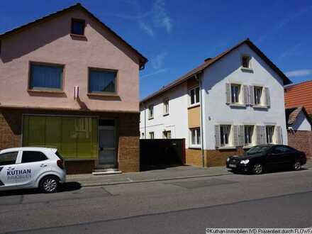 Zwei Häuser auf einem der letzten großen Grundstücke in Hassloch