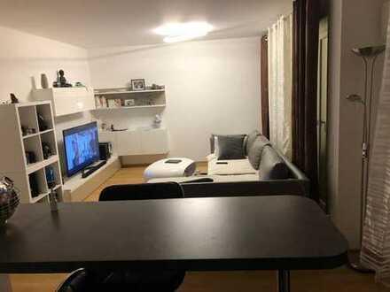 Schöne zwei Zimmer Wohnung in Augsburg, Pfersee