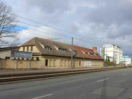Geschäftshaus direkt an einer 4-spurigen Verbindungsstraße