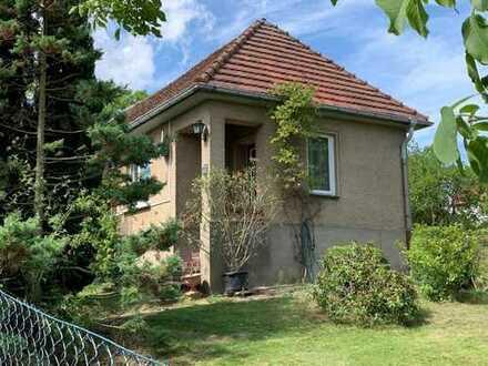 Omas kleines Häuschen – Obstwiese und Gästehaus