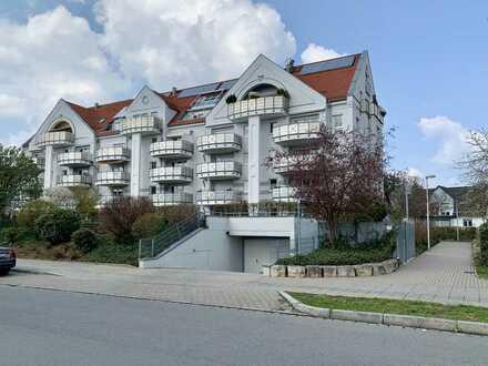 Lichtdurchflutete, renovierte 4-Zimmer-Wohnung mit Balkon in Nürnberg Nord ( Thon)