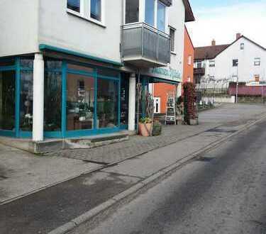 Weinstadt- Beutelsbach Gewerberäume in zentraler Lage mit 7 Stellplätzen zu vermieten!
