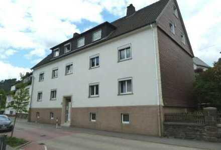 großzügige 2 ZKB- Dachgeschosswohnung in guter, zentraler Lage von Altenhundem