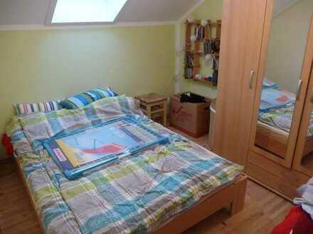 450€ Warmmiete für 2 Zimmer (zsm 25qm)